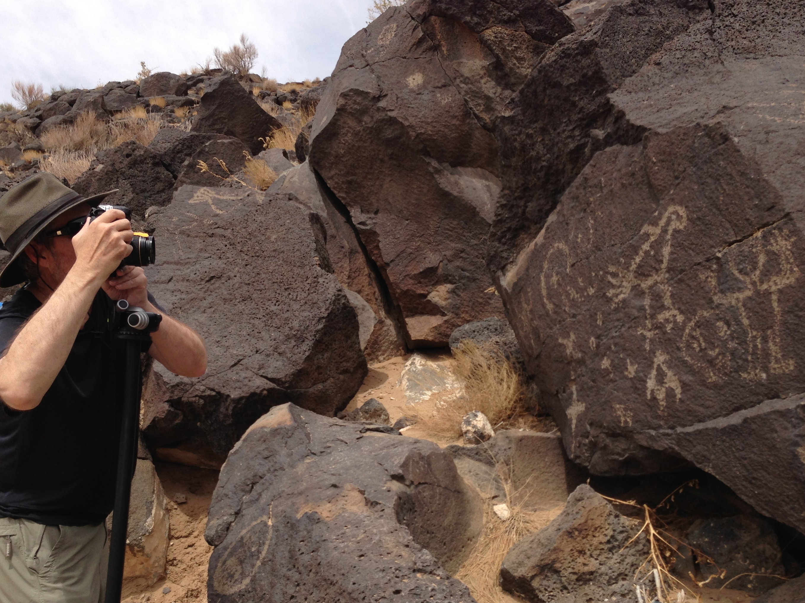 Mark shooting photogrammetry sequence at Petroglyph National Monument